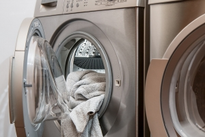6 ways to save money on utilities - Laundry with Cold Water