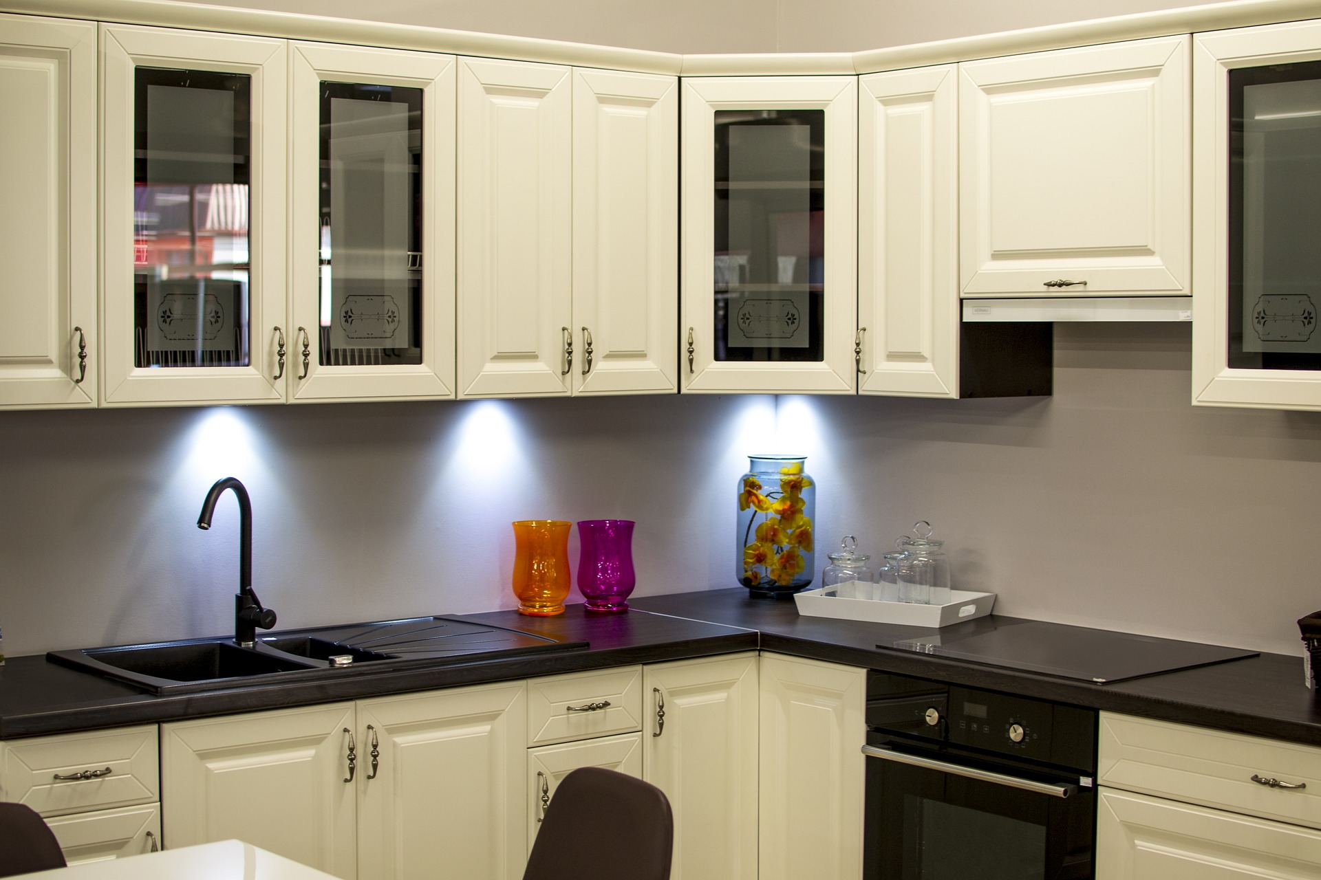 7 Easy Home Improvements To Upgrade Your Rental Do It Yourself Blog Replace Paint Cabinet Doors
